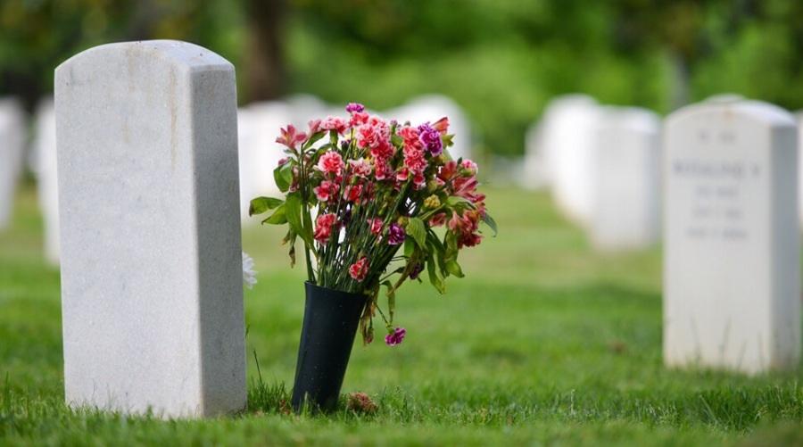 Assistance pour l'entretien de la sépulture familiale